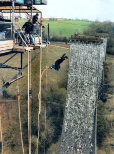 bungie-jumping